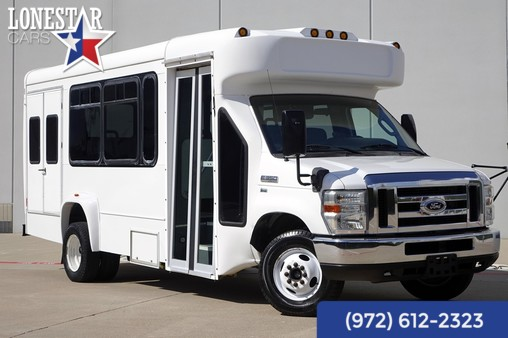 2009 Ford E-350 Shuttle Bus