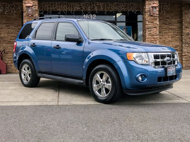 2009 Ford Escape XLT AWD This vehicle is a CarFax certified one-owner used car Pre-owned vehicles