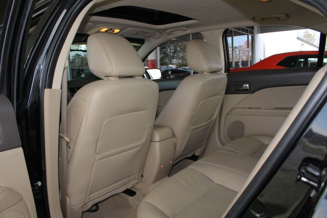 2009 Ford Fusion SEL FWD - MOON & TUNE PKG - HEATED LEATHER! Mooresville , NC 38
