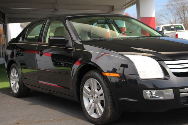 2009 Ford Fusion SEL FWD - MOON & TUNE PKG - HEATED LEATHER! Mooresville , NC 25