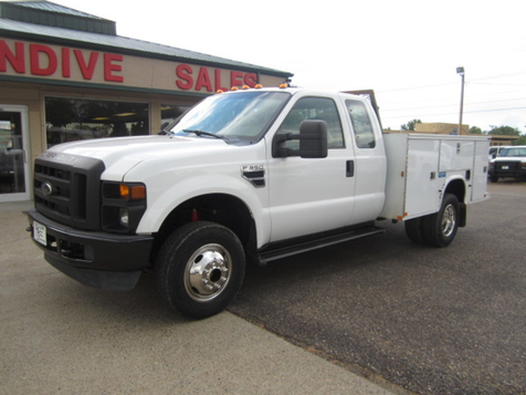 2009 Ford Super Duty F-350 DRW XL in Glendive, MT
