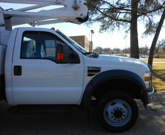 2009 Ford F-550 ,BUCKET/ BOOM TRUCK, UNDER CDL, 1 OWNER XL Irving, Texas 32