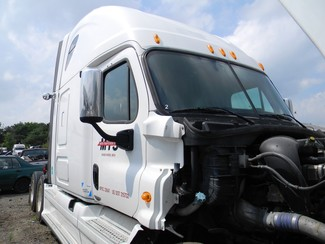 2009 Freightliner Cascadia Ravenna, Michigan