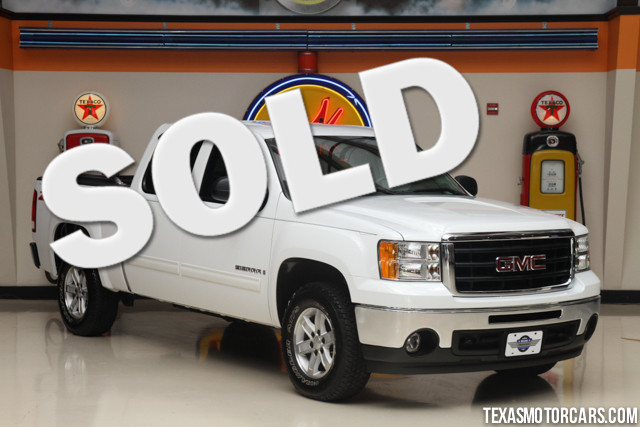 2009 GMC Sierra 1500 SLE This Carfax 1-Owner 2009 GMC Sierra 1500 SLE 4x4 is in great shape with on
