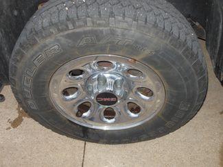 2009 GMC Sierra 1500 SLE Clinton, Iowa 4