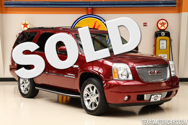 2009 GMC Yukon Denali This Carfax 1-Owner accident-free 2009 GMC Yukon Denali is in great shape w