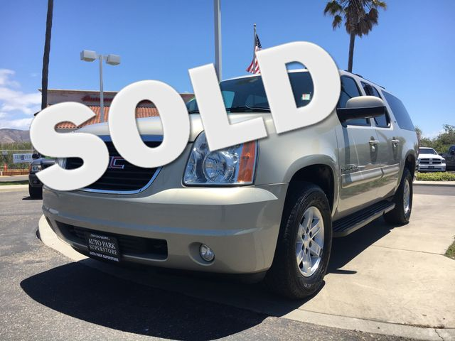 2009 GMC Yukon XL SLT w4SB Get the horse power and the tow capacity you need with powerful V8 eng