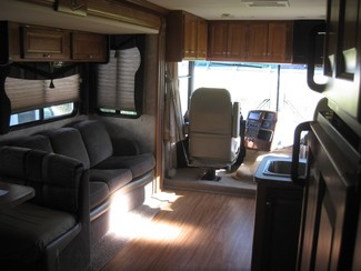 2009 Gulf Stream For Rent or For Sale 35' Independence Bunk House, Slide outs Katy, Texas 4