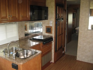 2009 Gulf Stream For Rent or For Sale 35' Independence Bunk House, Slide outs Katy, Texas 6
