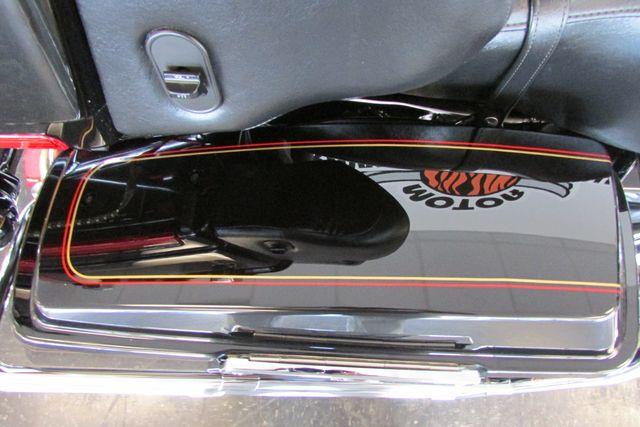 2009 Harley-Davidson Electra Glide® Ultra Classic® Arlington, Texas 12
