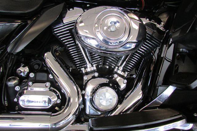 2009 Harley-Davidson Electra Glide® Ultra Classic® Arlington, Texas 17