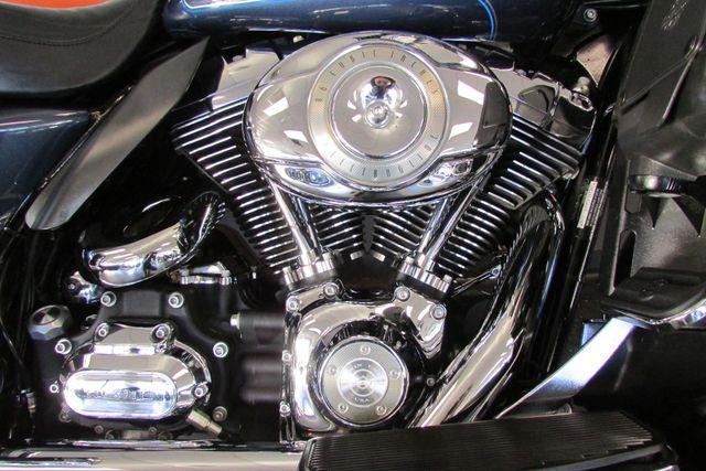 2009 Harley-Davidson Electra Glide® Ultra Classic® Arlington, Texas 21