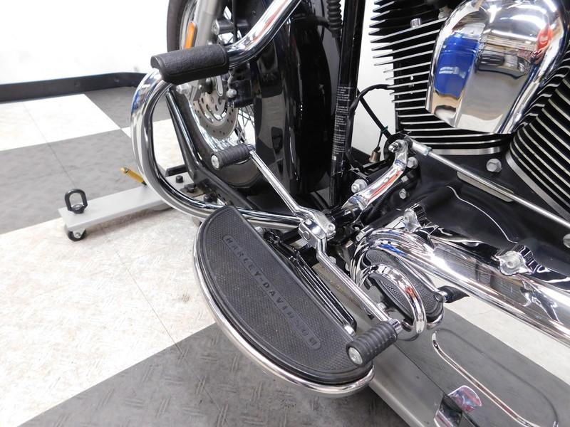 2009 Harley-Davidson Heritage Softail Classic FLSTC in Eden Prairie, Minnesota
