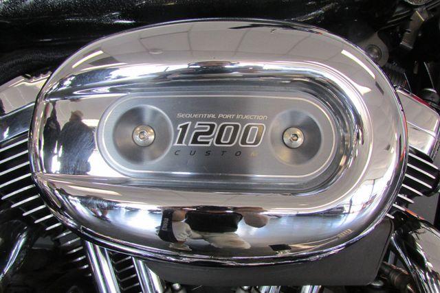 2009 Harley-Davidson Sportster® 1200 Custom Arlington, Texas 16