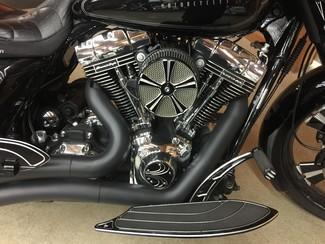 2009 Harley-Davidson Electra Glide® Anaheim, California 10