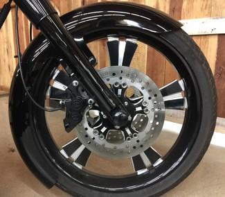 2009 Harley-Davidson Electra Glide® Anaheim, California 6
