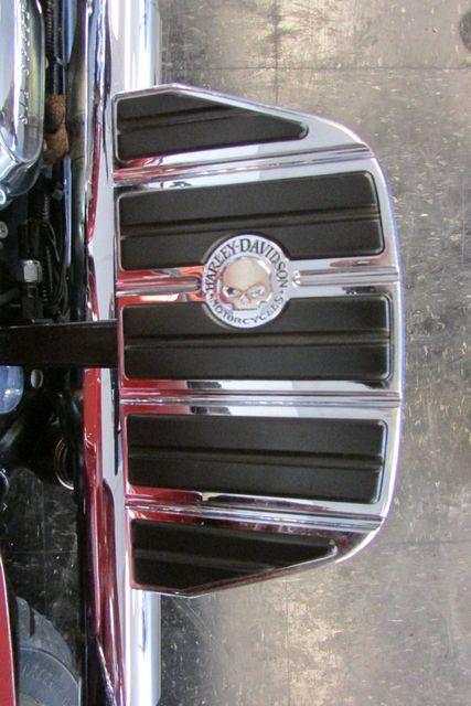 2009 Harley-Davidson Street Glide™ Base Arlington, Texas 15