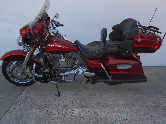 2009 Harley-Davidson Electra Glide® CVO™ Ultra Classic® Daytona Beach, FL 5