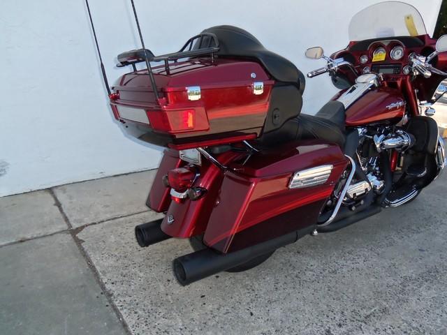 2009 Harley-Davidson Electra Glide® CVO™ Ultra Classic® Daytona Beach, FL 15