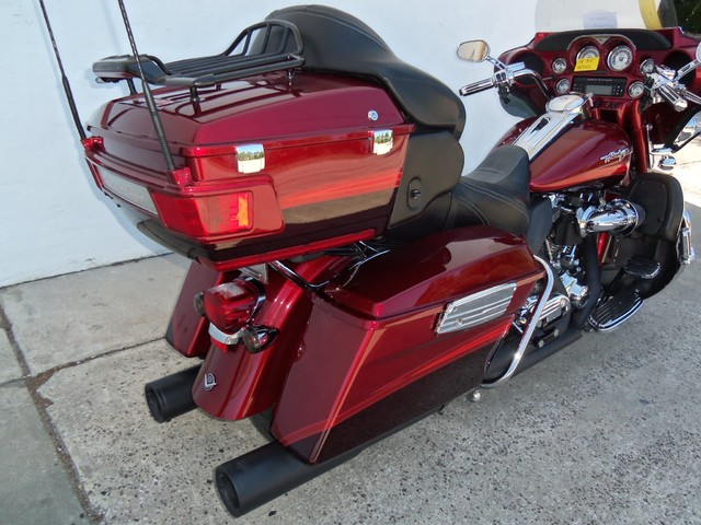 2009 Harley-Davidson Electra Glide® CVO™ Ultra Classic® Daytona Beach, FL 28