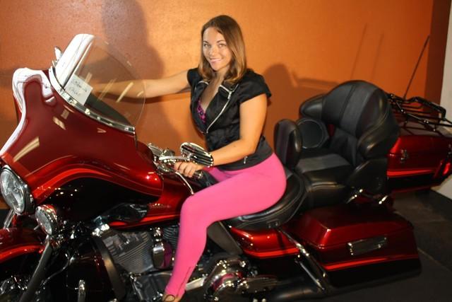 2009 Harley-Davidson Electra Glide® CVO™ Ultra Classic® Daytona Beach, FL 6