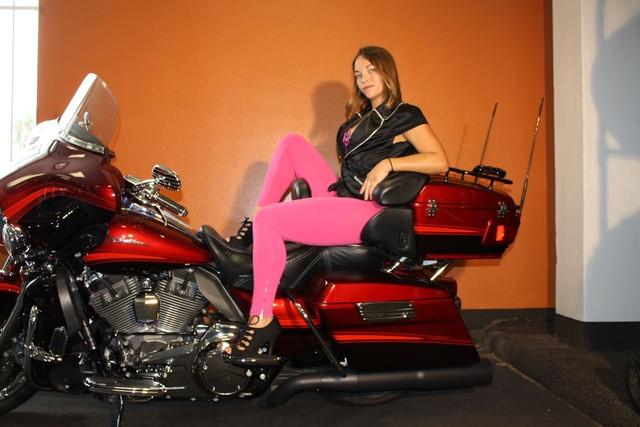 2009 Harley-Davidson Electra Glide® CVO™ Ultra Classic® Daytona Beach, FL 7