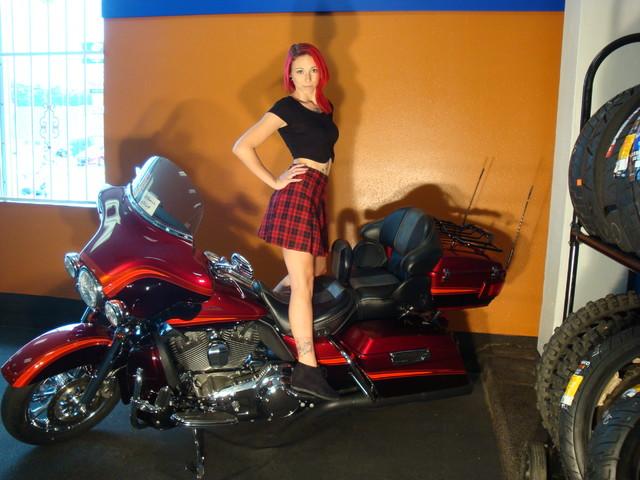 2009 Harley-Davidson Electra Glide® CVO™ Ultra Classic® Daytona Beach, FL 22
