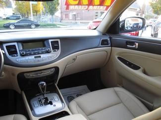 2009 Hyundai Genesis Milwaukee, Wisconsin 13