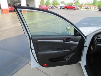 2009 Hyundai Sonata SE Fremont, Ohio 4