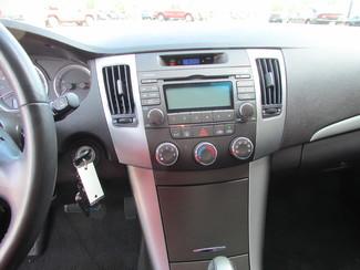 2009 Hyundai Sonata SE Fremont, Ohio 7