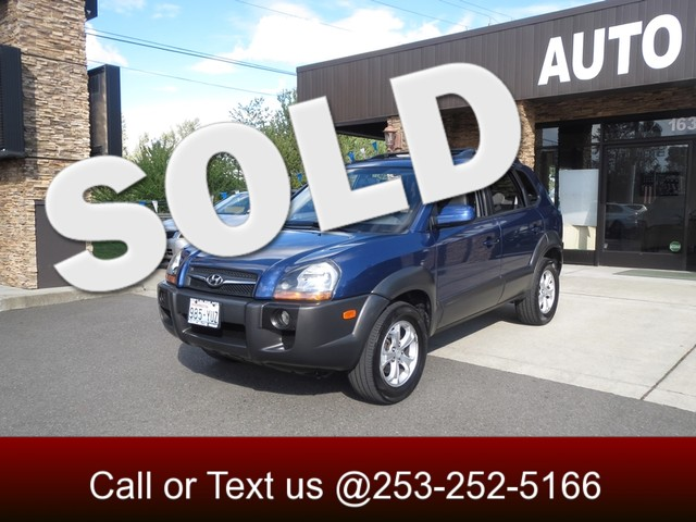 2009 Hyundai Tucson SE AWD Check out our nautical blue Tucson This one owner GREAT CARFAX car com