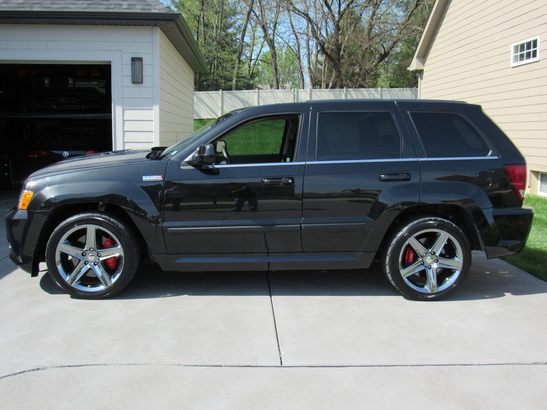 2009 jeep grand cherokee srt 8 st charles missouri schroeder motors. Black Bedroom Furniture Sets. Home Design Ideas
