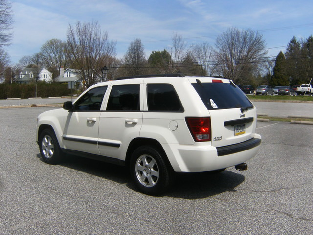 2009 Jeep Grand Cherokee Laredo 4WD Navigation West Chester, PA 4