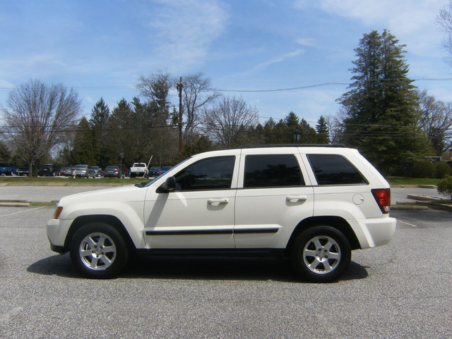 2009 Jeep Grand Cherokee Laredo 4WD Navigation West Chester, PA 5