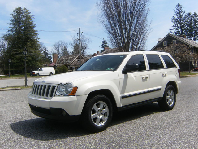 2009 Jeep Grand Cherokee Laredo 4WD Navigation West Chester, PA 6