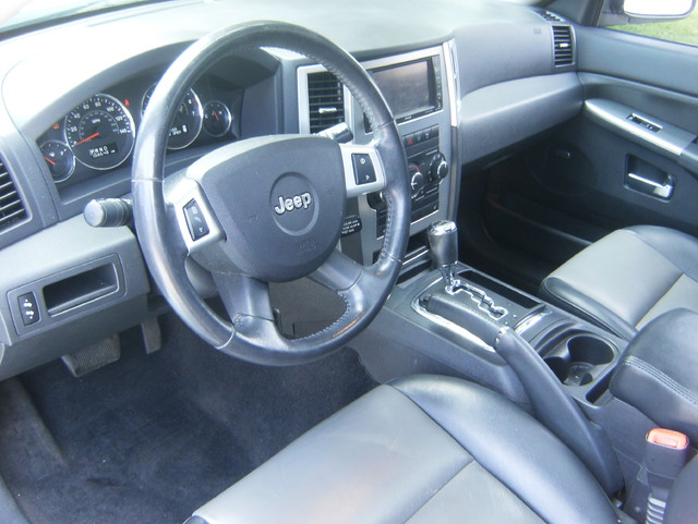2009 Jeep Grand Cherokee Laredo 4WD Navigation West Chester, PA 8