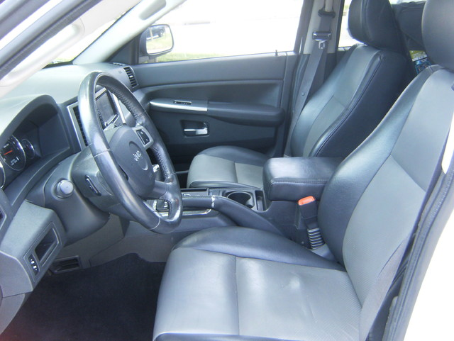 2009 Jeep Grand Cherokee Laredo 4WD Navigation West Chester, PA 9