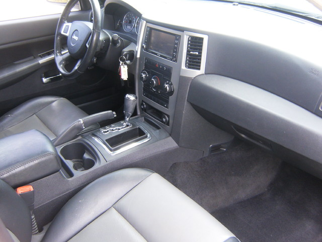 2009 Jeep Grand Cherokee Laredo 4WD Navigation West Chester, PA 11