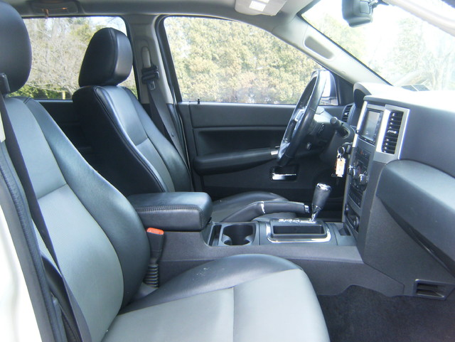 2009 Jeep Grand Cherokee Laredo 4WD Navigation West Chester, PA 12