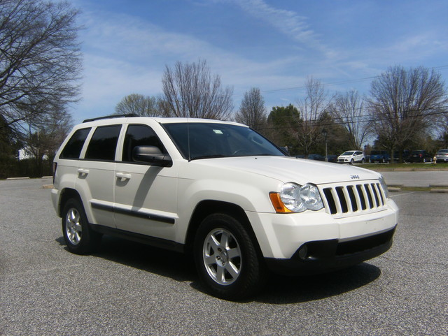 2009 Jeep Grand Cherokee Laredo 4WD Navigation West Chester, PA 0