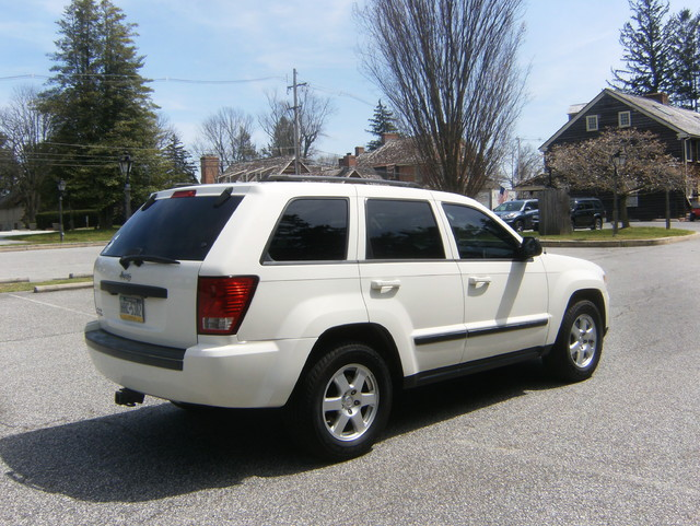 2009 Jeep Grand Cherokee Laredo 4WD Navigation West Chester, PA 2