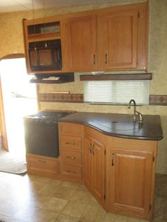 2009 Keystone Laredo 320TRL  city Florida  RV World of Hudson Inc  in Hudson, Florida