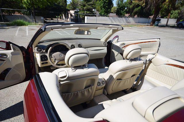 2009 Mercedes-Benz CLK550 5.5L Reseda, CA 4