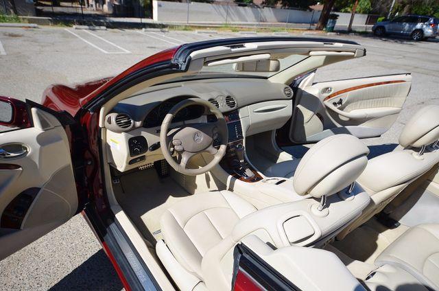 2009 Mercedes-Benz CLK550 5.5L Reseda, CA 3