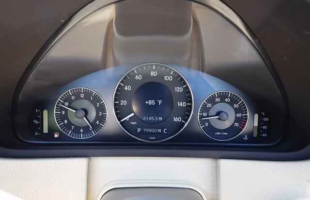 2009 Mercedes-Benz CLK550 5.5L Reseda, CA 34