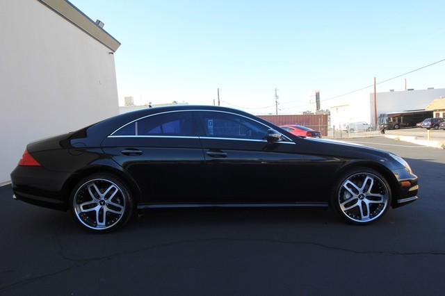 2009 Mercedes-Benz CLS550* SPORT PKG* AMG* LEATHER* MOONROOF 5.5L*AUTO* NAVI* WHEELS* CLEAN* LOW MI Las Vegas, Nevada 3