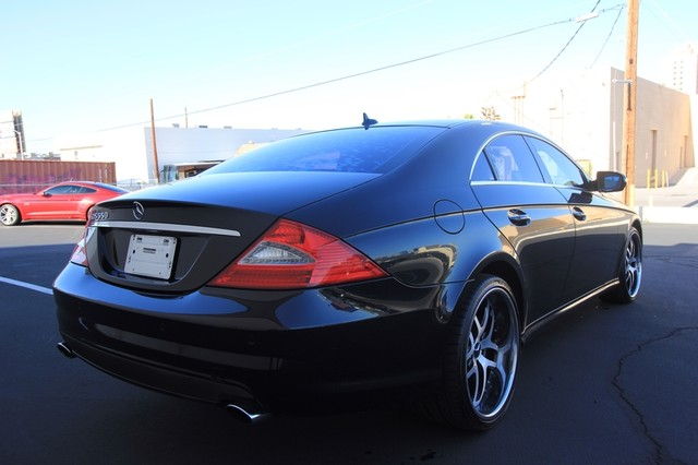 2009 Mercedes-Benz CLS550* SPORT PKG* AMG* LEATHER* MOONROOF 5.5L*AUTO* NAVI* WHEELS* CLEAN* LOW MI Las Vegas, Nevada 4