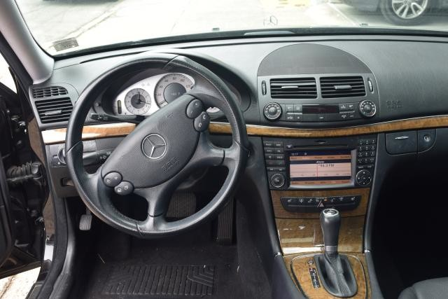 2009 Mercedes-Benz E-Class E350 4MATIC Luxury Sedan Richmond Hill, New York 7