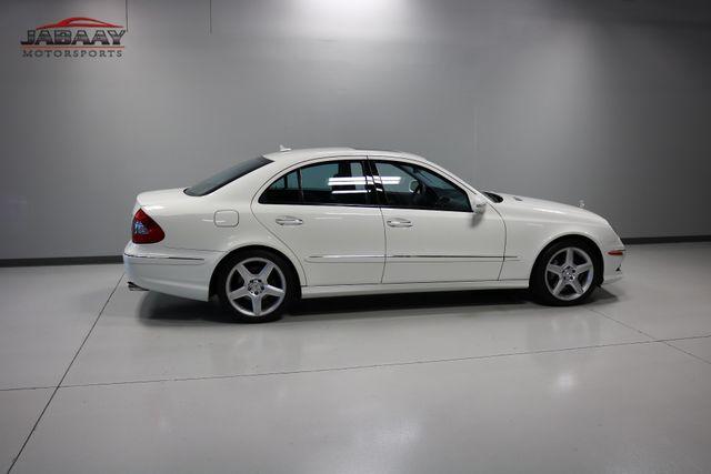 2009 Mercedes-Benz E550 Sport 5.5L Merrillville, Indiana 40