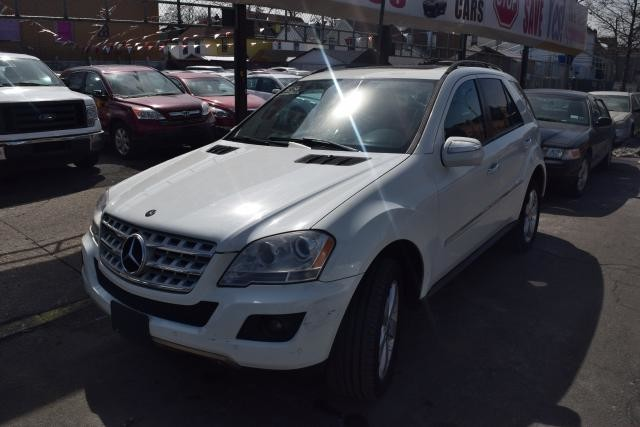 2009 Mercedes-Benz ML350 3.5L Richmond Hill, New York 0